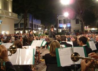 Ravenna. In piazza Medaglie d'Oro il concerto della banda musicale cittadina diretta da Andrea Patrignani.