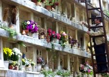 Cimitero Urbano e Ronco. Gara per l'assegnazione di edicole funebri.