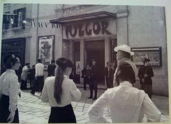 'Cooming soon', stiamo arrivando. Le gigantografie di Eron anticipano i lavori del cinema Fulgor.