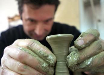 Faenza. 'A nessuno il suo'. Tre artisti della ceramica provenienti da tre paesi diversi in mostra alla Galleria Comunale d'Arte.