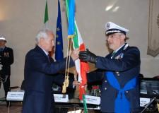 La consegna delle bandiere alla Polizia di Stato e Municipale