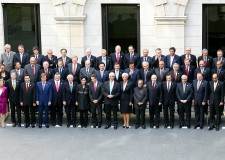 G20 di Cannes. Gates: 'Non voltiamo le spalle ai poveri!'.