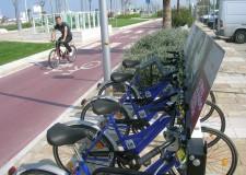 In manutenzione le bici di 'bike sharing'. Utilizzo raddoppiato in un anno