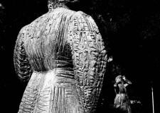 Le sculture ci guardano. Le foto di Zaccaria omaggiano Biancini