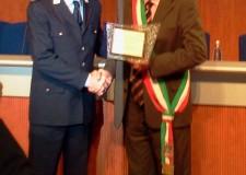 Una targa al merito per il comandante Stefano Rossi.