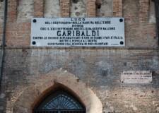 La corona in metallo dedicata a Garibaldi e il ritratto di Bolis ritornano a Lugo.