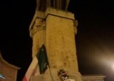 Simbolo di 'Forza Nuova' sul monumento ai Caduti. Uso strumentale di un fatto doloroso!