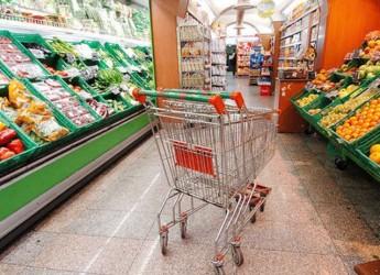 Cesena. Raccolta di generi alimentari per famiglie bisognose nei quartieri cittadini.