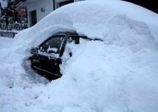 Emergenza neve. Quasi tre metri di neve in molti Comuni, ecco la situazione viabilità