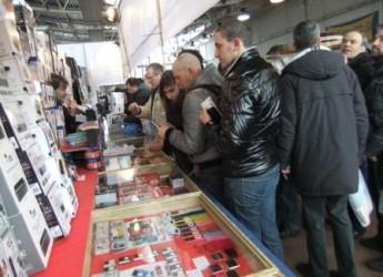 Expo Elettronica a Faenza. Tecnologia di ieri e di oggi con oltre 200 espositori