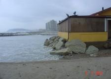 Misano Adriatico dopo la neve. Danni a strade, verde e arenile