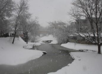 Emergenza neve. Priorità: Viabilità, controllo edifici, energia elettrica, viveri e carburante