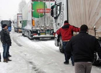 Cesena. Strade: si lotta contro ghiaccio e neve, 4 mezzi fuori uso