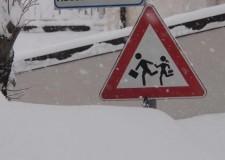 Forlì, le eccessive nevicate sospendono le lezioni anche lunedì.