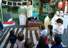 Don Carlo Tonini e i bambini. Le letture alla Biblioteca di Riccione