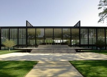 Omaggio all'architetto Ludwig Mies van der Rohe, maestro del Movimento Moderno.