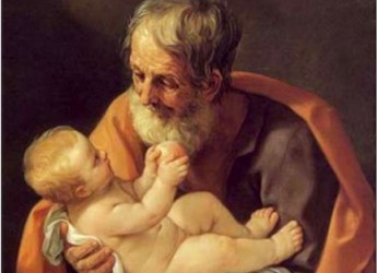 San Giuseppe, festa del papà. Si accendono falò per il patrono di falegnami e senzatetto.