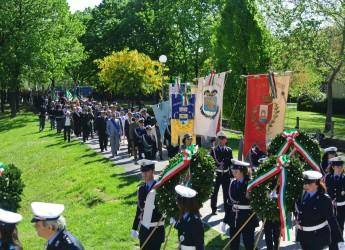 25 aprile Festa della Liberazione. Rimini: 'W il 25 Aprile, W la libertà, W Rimini'.