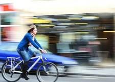 Mondo in bici (elettrica)! Boom di biciclette elettriche, verso i 30 milioni.
