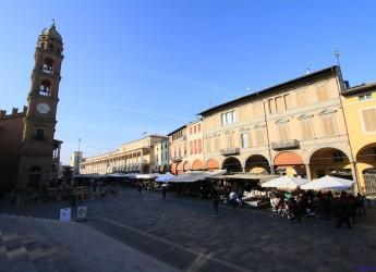 Faenza. Torna la festa sotto la Torre dell'Orologio con la Maramao Italian Swing band.