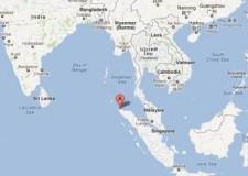 Terremoto in Indonesia, il mare si ritira: allarme tsunami. Evacuazioni in corso.
