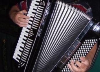 Bologna. Mordano. 'From Europe to America', al Chiostro di San Francesco il concerto del virtuoso della fisarmonica Thomas Sinigaglia.