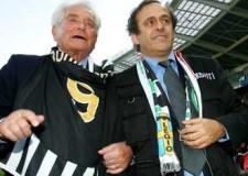 Campionato di calcio serie A. Il Milan vince a Siena ( 1-4), ma la Juve non si spaventa ( 4-0).