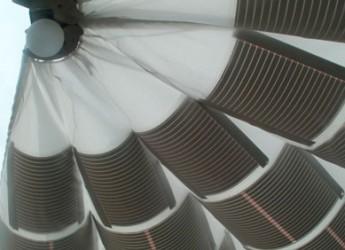 Relax al sole, eco-sostenibile. Arriva l'ombrellone fotovoltaico, un'idea italiana.