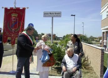 Gatteo Mare: intitolata la piazza all'ex sindaco Mario Ornelli con una commovente cerimonia.