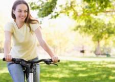 Cesena. Alla scoperta della città pedalando con sette cicloreporter. Su Sky la puntata di 'Bike woman'.