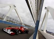 Formula1. Gp di Valencia. Vettel su Hamilton. Alonso e Massa nel 'gruppone'. Spagna: 2-0 ai Galletti.