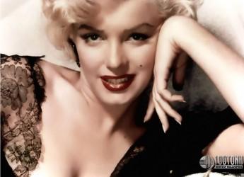 Collina dei Poeti. Incontro di Cinenemadivino con il mito Marilyn. Nella sera sulla Collina.