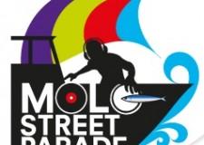 Emilia Romagna. 'Molo Street Parade': 45 deejay sui pescherecci e il gusto dei sardoncini, a Rimini.