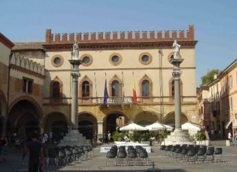 Ravenna. Un volume sulla storia del Palazzo comunale, un 'tuffo' nell'identità della città.