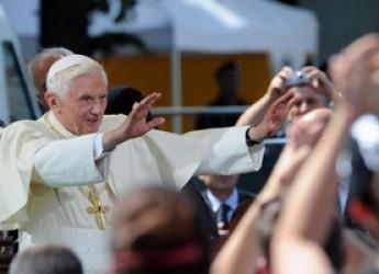Terremoto in Emilia Romagna. Il Papa: ' Vedo che la vita ricomincia, con forza e coraggio'.