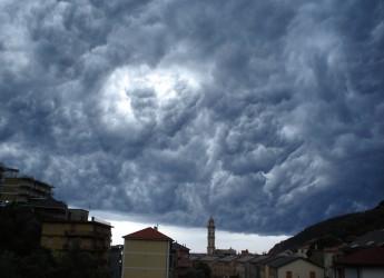 Meteo. Arriva 'Circe', il ciclone che porta temporali e aria fresca. E ora temperature in picchiata!