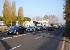 Emilia Romagna. Rimini e la viabilità. Il borgo Sant'Andrea, parte di un centro che s'allarga alla periferia.