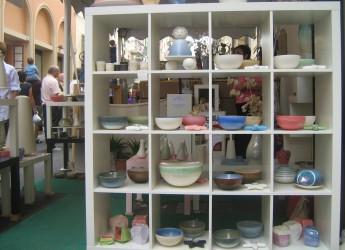 Emilia Romagna. Appuntamento a Faenza, la città dove le ceramiche sfrattano le auto.