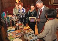 Emilia Romagna. I cittadini di Cesena donano 1.059 libri alla Biblioteca Malatestiana.