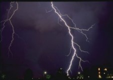 Emilia Romagna. Maltempo: fulmine caduto a Cesena causa black out telefonico.