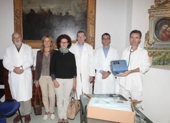 Ausl Ravenna. Donato al Dipartimento medico 1° di Faenza un ecografo portatile.
