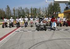 Misano Adriatico. Motori e solidarietà: 2.000 spettatori per Tanzania in Lambretta…di Traverso!