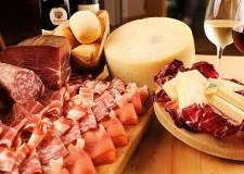 Imola. I migliori vini del territorio protagonisti in piazza Matteotti per l'appuntamento con 'Tramonto DiVino'.