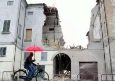 Rimini. Consegna al sindaco di Finale Emilia dei fondi raccolti per l'emergenza terremoto.