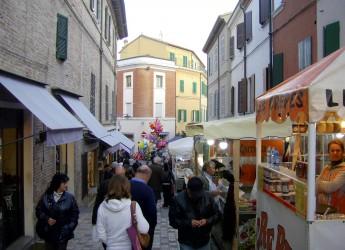 Emilia Romagna. Fiera di San Martino: fiera dei 'becchi' nel cuore della tradizione a Santarcangelo.