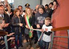 Emilia Romagna. Coriano omaggia Marco Simoncelli. Taglio del nastro del Podio e della Galleria.