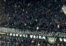Il 'solito' tifo:  'Noi di Torino orgoglio e vanto, voi solo uno schianto'. Meglio dar luogo alla Champions?