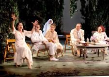 Faenza. 'Improvvisamente l'estate scorsa' al Teatro Masini, un tuffo nella società…