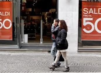 Cesena. Via ai saldi di fine stagione. Una occasione per i consumatori e l'attesa dei negozianti.