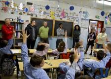 Rimini. Consegnate attrezzature informatiche alla scuola primaria Casti.